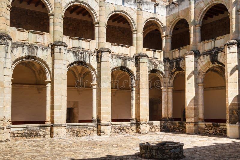 Ruínas do monastério de Cuilapan de Guerrero fotos de stock royalty free