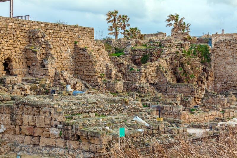 Ruínas do porto antigo, Caesarea Maritima foto de stock royalty free