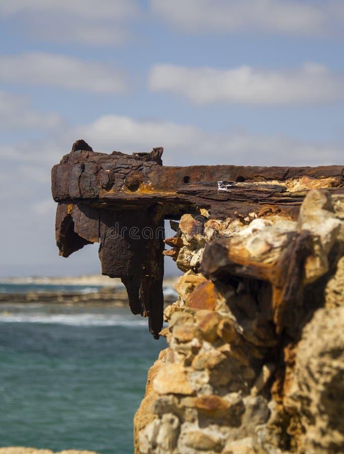 Ruínas do porto de Herods em Caesarea Costa mediterrânea de Israel fotos de stock