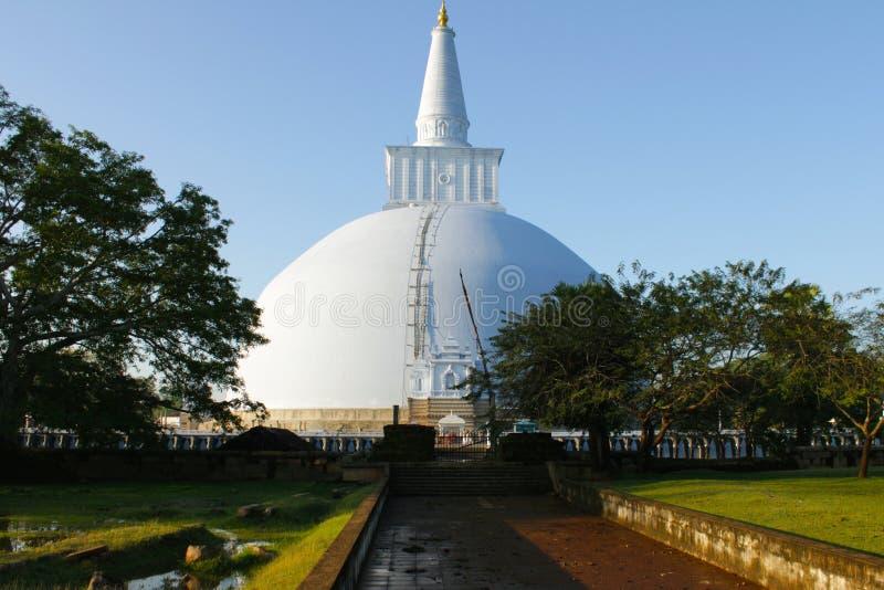 Ruínas do templo budista em Dambullah Sri Lanka imagem de stock