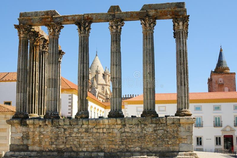 Ruínas do templo de Diana em Évora - Portugal imagem de stock royalty free