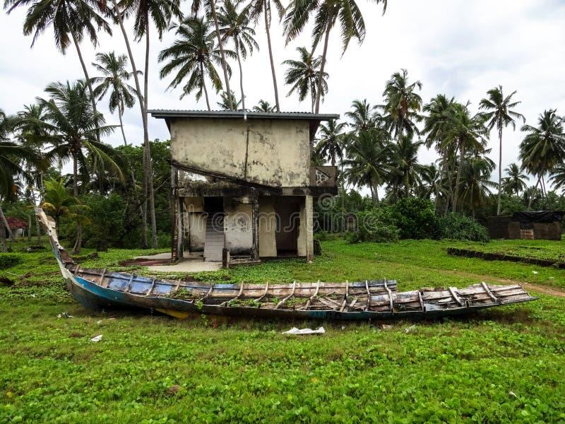 Ruínas do tsunami foto de stock royalty free