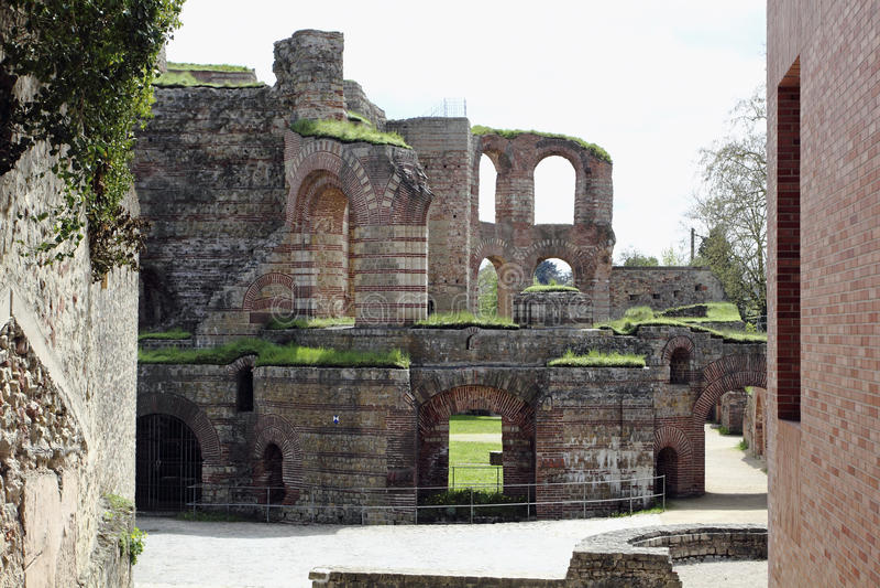 Ruínas dos banhos romanos imagens de stock royalty free