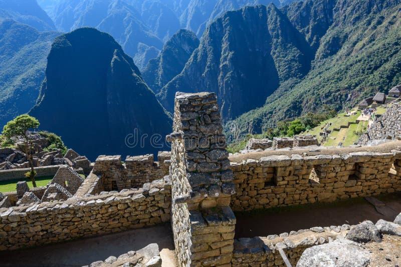 Ruínas e montanhas em Machu Picchu imagem de stock royalty free