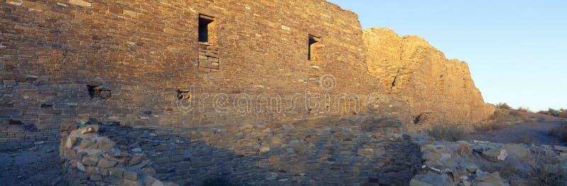 Ruínas indianas da garganta de Chaco, por do sol, New mexico foto de stock royalty free