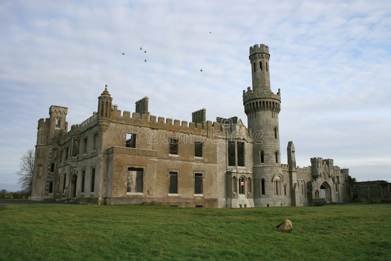 Ruínas irlandesas velhas do castelo imagens de stock royalty free
