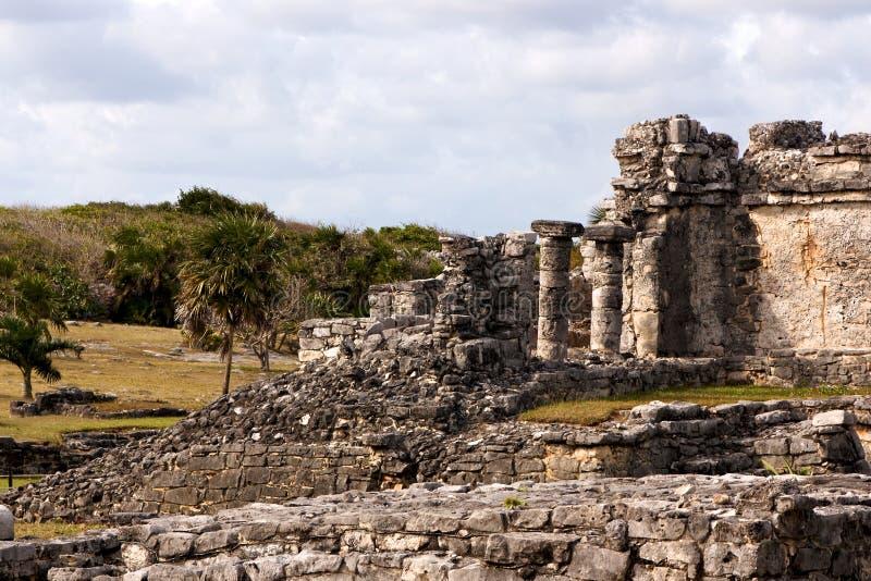 Ruínas maias de desintegração em Tulum imagens de stock royalty free