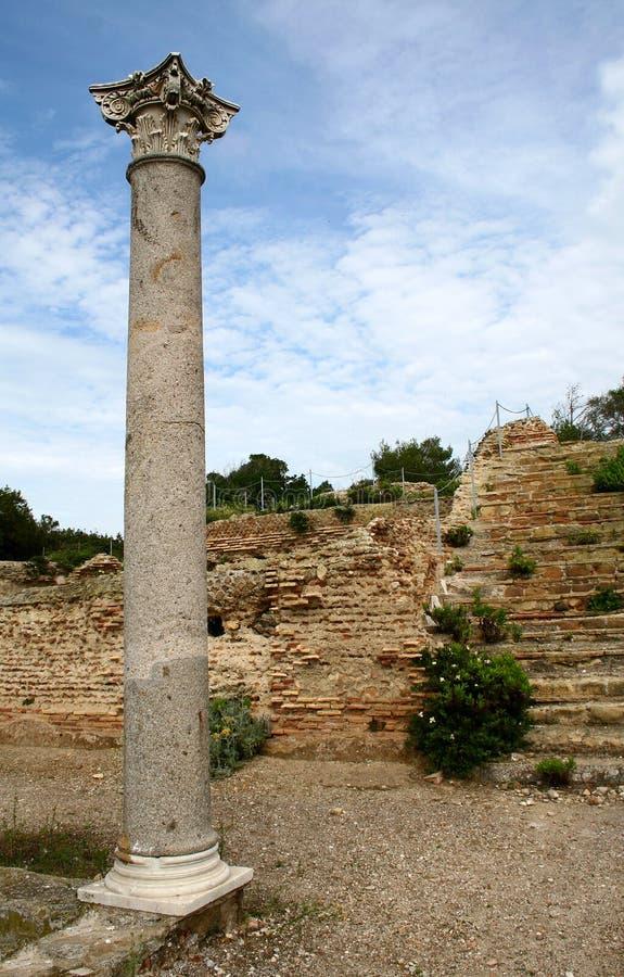 Ruínas romanas com coluna do corinthian imagem de stock