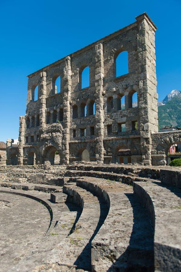 Ruínas romanas em Aosta fotos de stock
