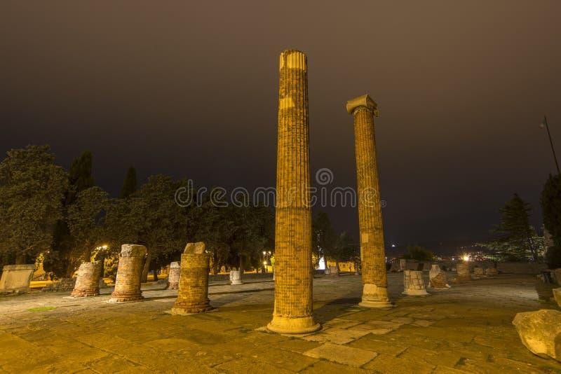 Ruínas romanas em Trieste foto de stock royalty free