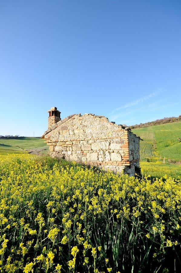 Ruínas rurais no país italiano fotos de stock