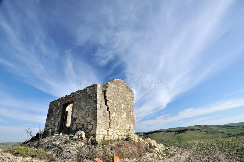 Ruínas rurais no país italiano fotografia de stock royalty free