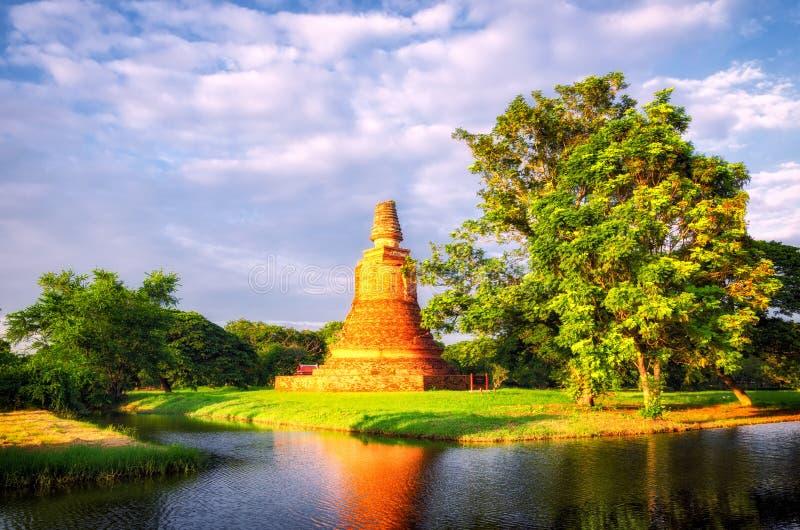 Ruínas velhas de Ayutthaya (Tailândia) foto de stock royalty free