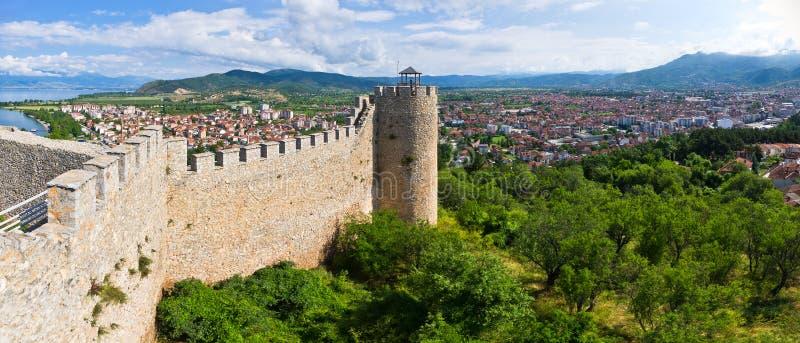 Ruínas velhas do castelo em Ohrid, Macedônia imagem de stock