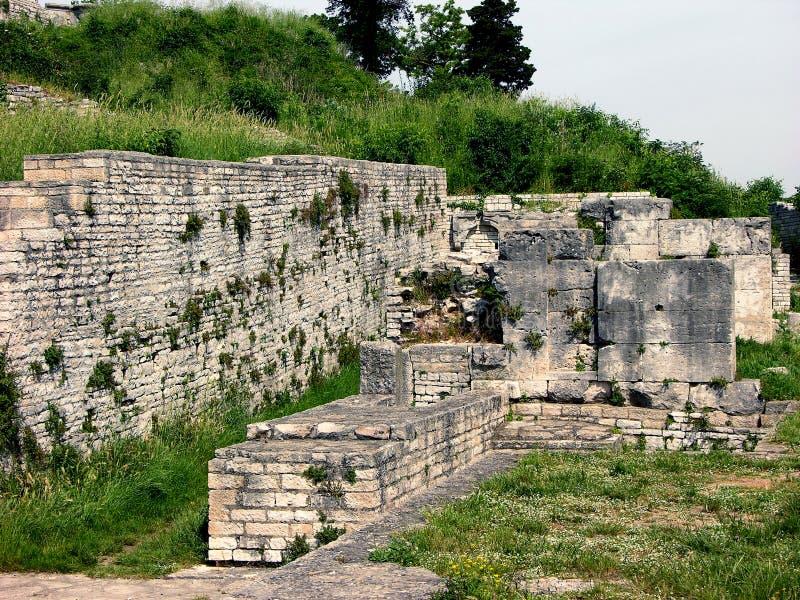 Ruïne van de kleine Romein amphitheatre in Pula, Kroatië royalty-vrije stock foto