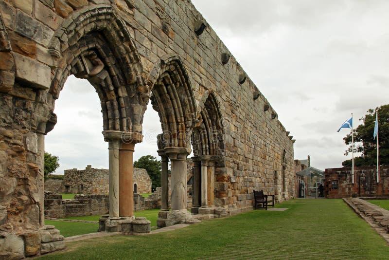 Ruïne van St Andrews Cathedral in St Andrews Scotland stock afbeeldingen