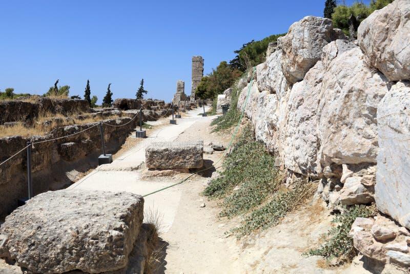 Ruïneert dichtbij Akropolis van Athene stock fotografie