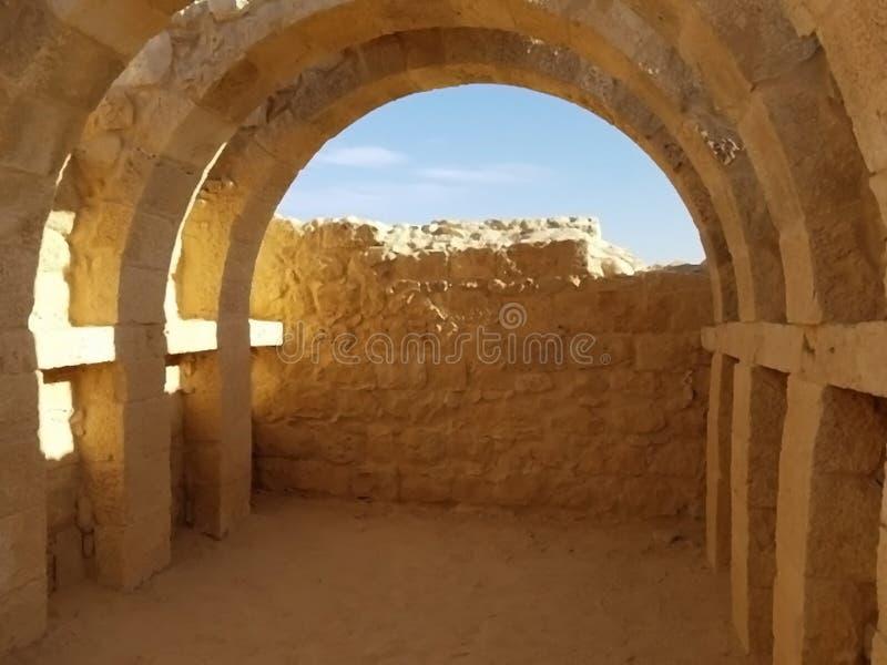 Ruïnes in de woestijn royalty-vrije stock afbeeldingen
