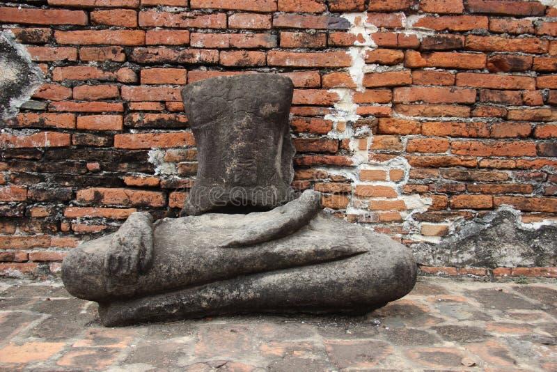 Ruïnes en Historisch Park met het Oude Standbeeld van Steenboedha stock foto