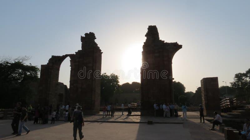 Ruïnes in Qutub Minar Delhi royalty-vrije stock afbeeldingen
