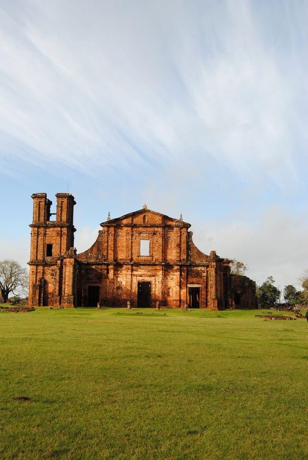 Ruïnes St. Michael de Aartsengel royalty-vrije stock fotografie