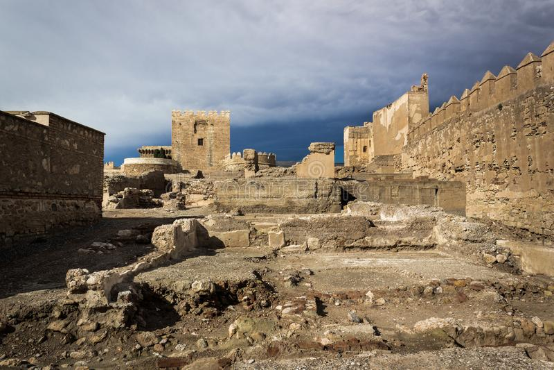 Ruïnes van Alcazaba in Almeria stock afbeeldingen