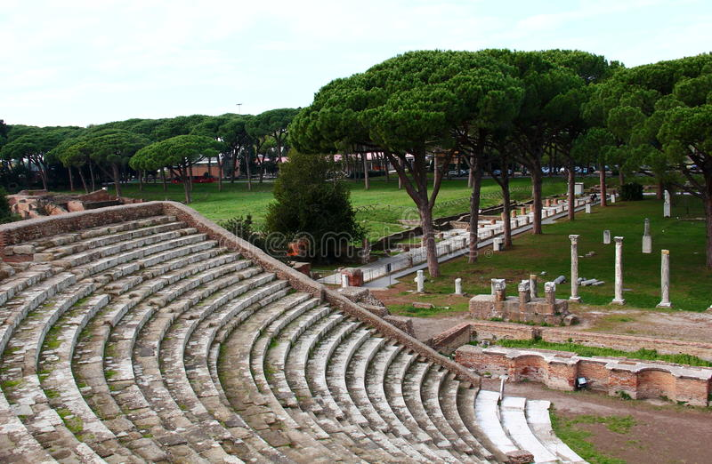 Ruïnes van amfitheatre, Ostia Antica royalty-vrije stock afbeelding