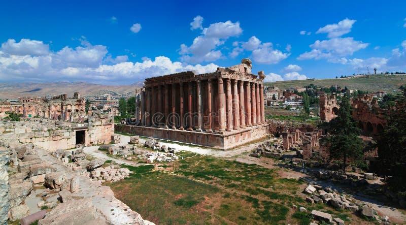 Ruïnes van Bacchus-tempel in Baalbek, Bekaa-vallei, Libanon stock foto's