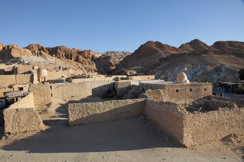 Ruïnes van bergoase Chebika bij grens van de Sahara royalty-vrije stock afbeeldingen