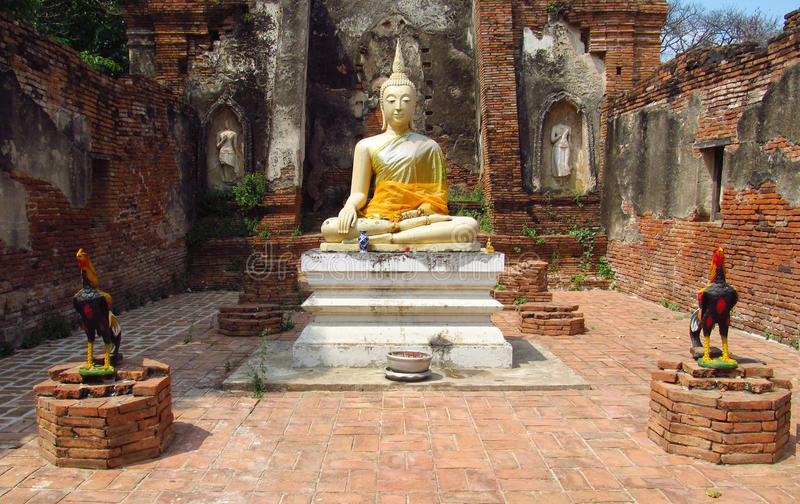 Ruïnes van de Ayutthaya de oude stad, het standbeeld van Boedha royalty-vrije stock afbeeldingen