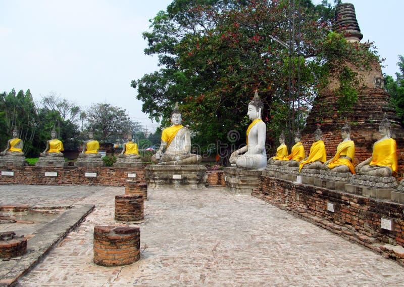 Ruïnes van de Ayutthaya de oude stad in Thailand, de standbeelden van Boedha stock afbeelding