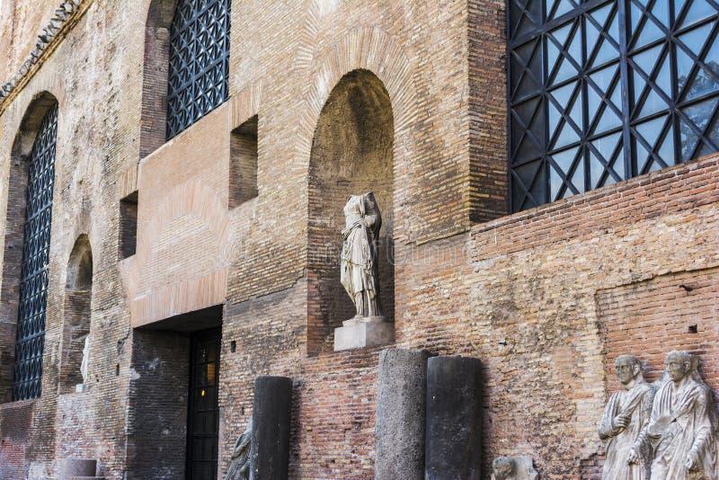 Ruïnes van de Baden van Diocletian, Rome, Italië De baden van Diocletian is één van de belangrijkste oriëntatiepunten in Rome royalty-vrije stock afbeelding