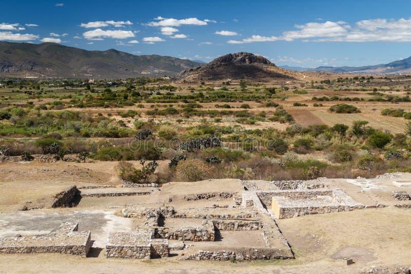 Ruïnes van de pre-Spaanse stad Dainzu, Oaxaca van Zapotec stock afbeeldingen