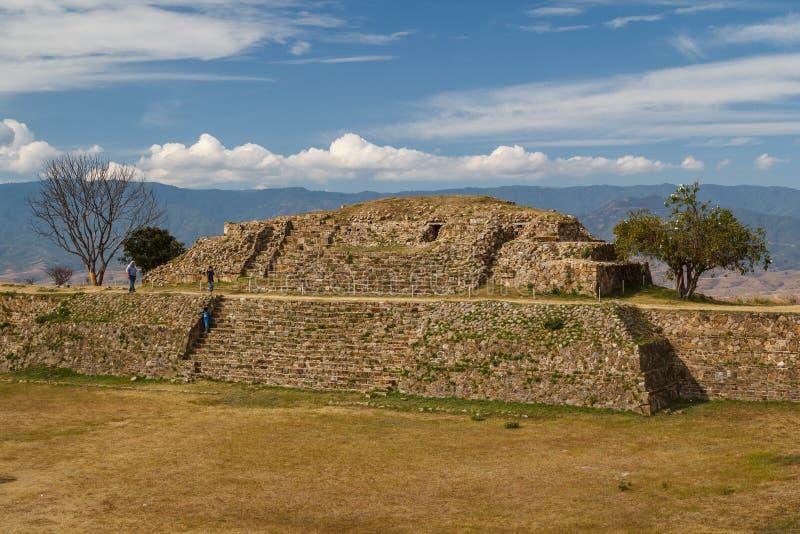 Ruïnes van de zapotec pre-Spaanse stad Monte Alban, Oaxaca royalty-vrije stock foto