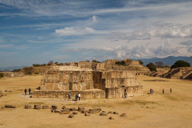 Ruïnes van de zapotec pre-Spaanse stad Monte Alban, Oaxaca stock fotografie