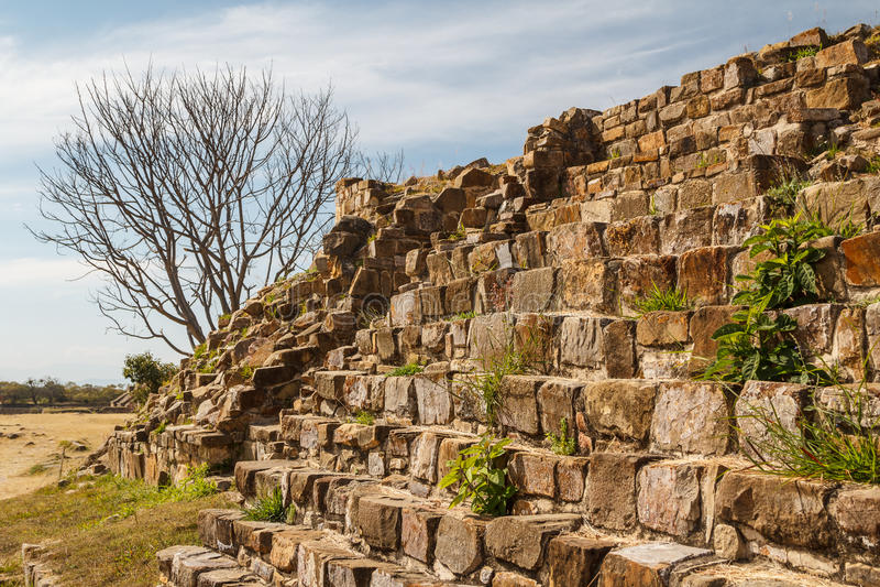 Ruïnes van de zapotec pre-Spaanse stad Monte Alban, Oaxaca royalty-vrije stock afbeelding
