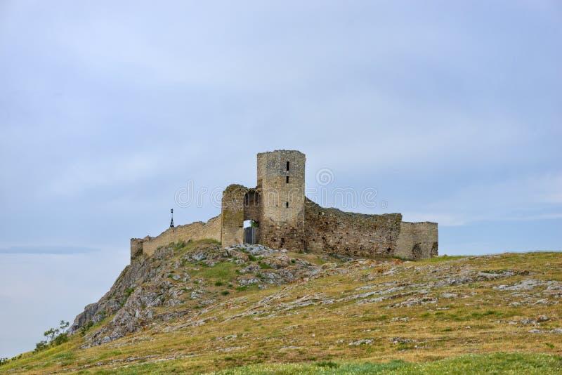 Ruïnes van Enisala - middeleeuwse vesting in Dobrogea stock foto's