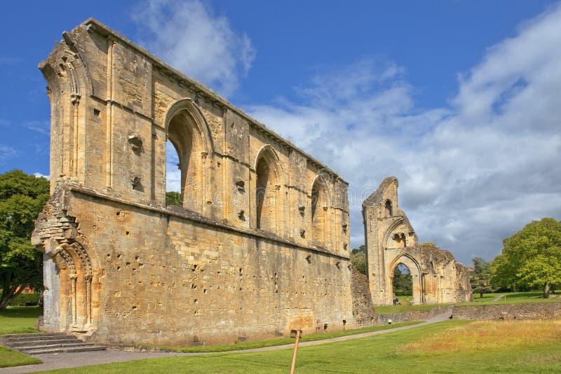 Ruïnes van Glastonbury-Abdij, Somerset, Engeland stock afbeelding