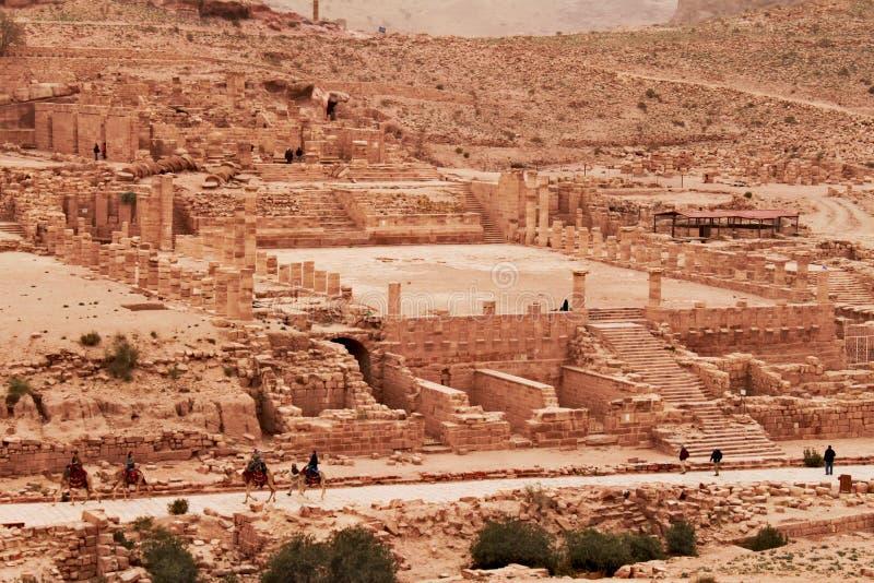Ruïnes van grote tempel in Petra royalty-vrije stock foto's
