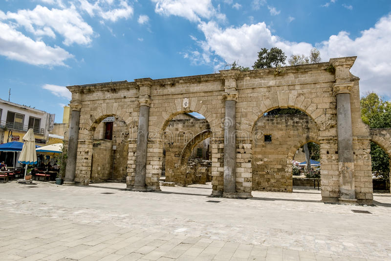 Ruïnes van het Paleis van Venetiaanse gouverneurs in de oude stad van Fam royalty-vrije stock foto