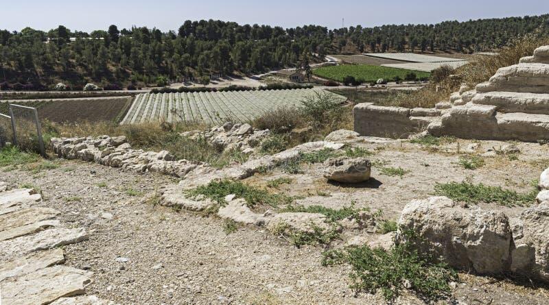 Ruïnes van Ingangsbinnenplaats en Zalen bij Tel. Lakhish in Israël stock afbeelding