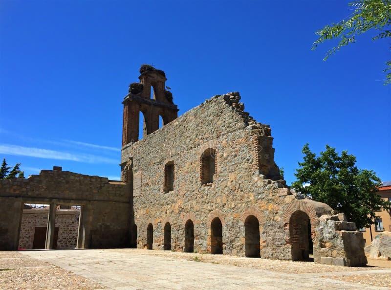 Ruïnes van Jeronimos-Klooster, Avila, Spanje royalty-vrije stock afbeeldingen