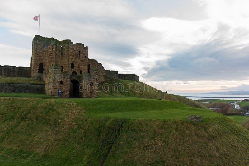 Ruïnes van Middeleeuwse Tynemouth-Priorij en Kasteel oostelijke kant royalty-vrije stock afbeelding