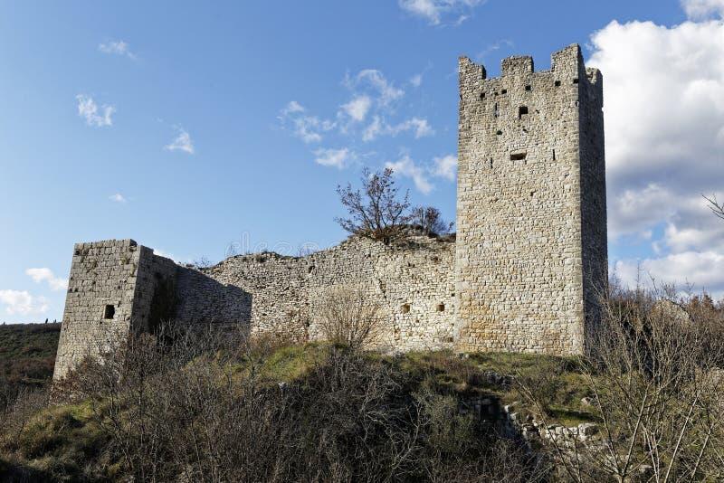 Ruïnes van oud kasteel royalty-vrije stock fotografie
