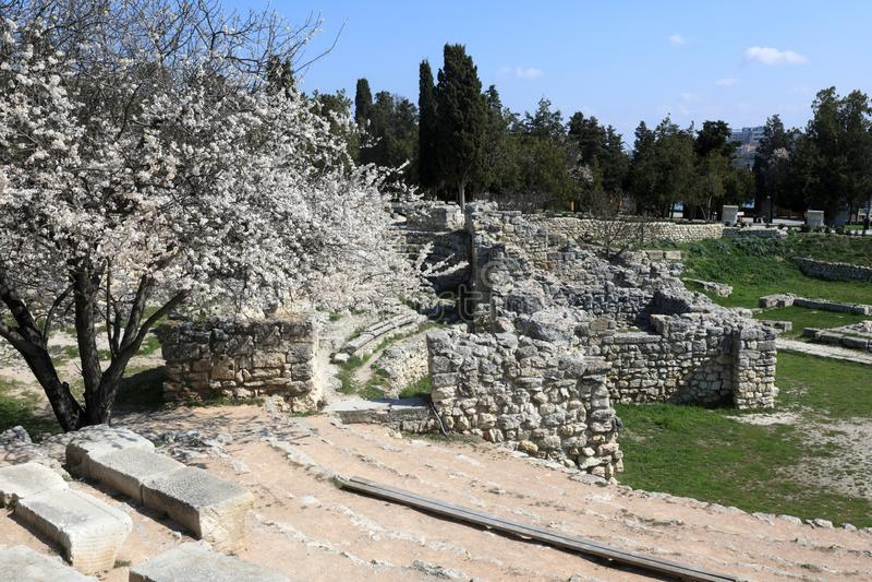 Ruïnes van Oud Theater in Chersonesos stock foto