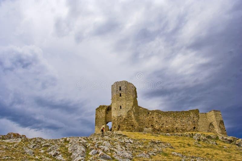 Ruïnes van oude Enisala stock afbeelding