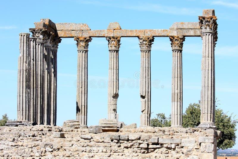 Ruïnes van oude Roman Tempel van Evora, Portugal stock foto's