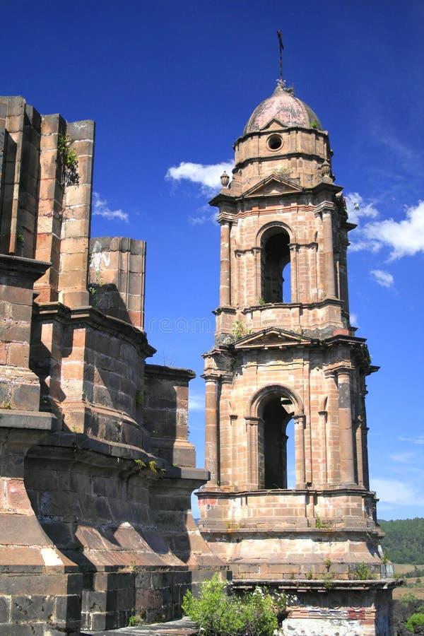 Ruïnes van parangaricutiro royalty-vrije stock foto
