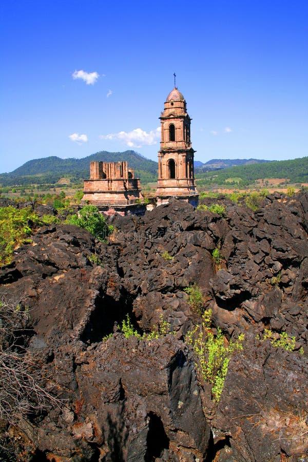 Ruïnes van parangaricutiro royalty-vrije stock fotografie