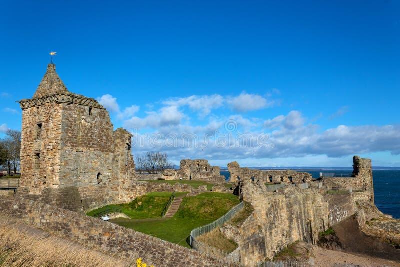 Ru?nas do castelo de St Andrews imagens de stock royalty free